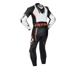 Mono moto hombre cuero Vortex 2 de Ixon naranja vista de espalda