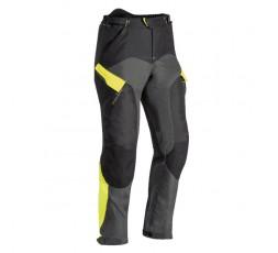Pantalón moto uso Touring, Aventura, Ruta CROSSTOUR 2 PT de Ixon color amarillo vista de frente